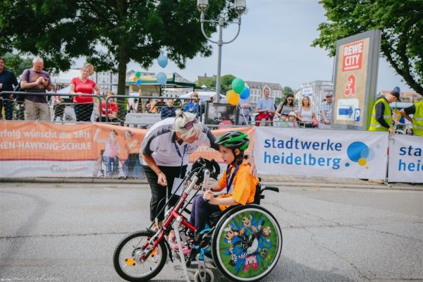 15-internationaler-rollstuhl-marathon-hd-160-largeCC093327-CAAC-7849-9534-9B21D751CF5A.jpg
