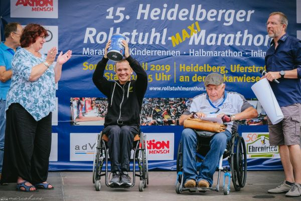 15-internationaler-rollstuhl-marathon-hd-297-largeBEAA24D8-3AEE-A214-9149-B3E2BFA2F7B2.jpg
